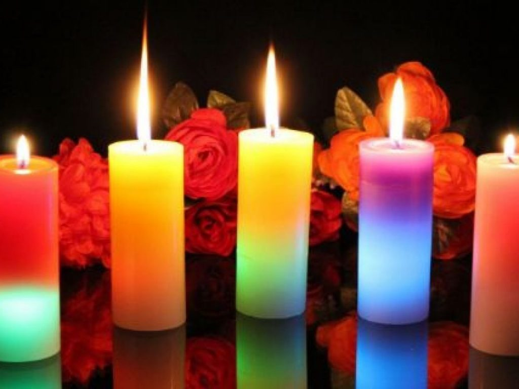 الشموع الملونة