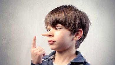 صورة الطفل الكذاب وأشكال الكذب عند الاطفال.