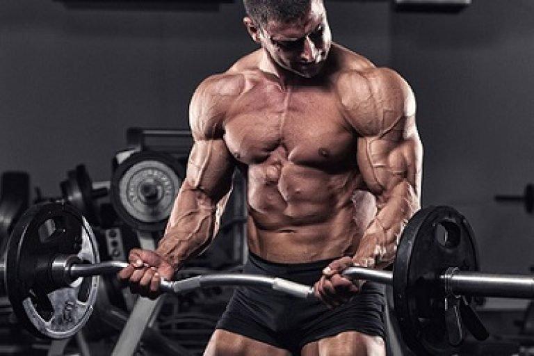 تمرين المقص لتحسين أداء العضلة ثلاثية الرؤوس