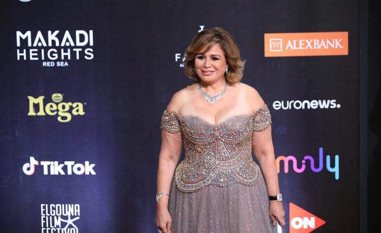 فستان إلهام شاهين