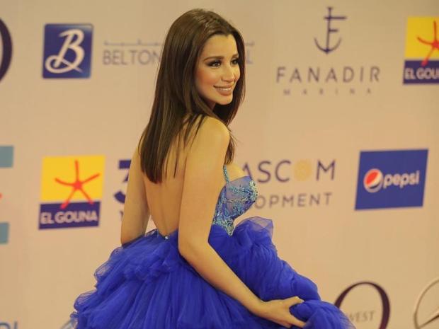 فستان سارة التونسي