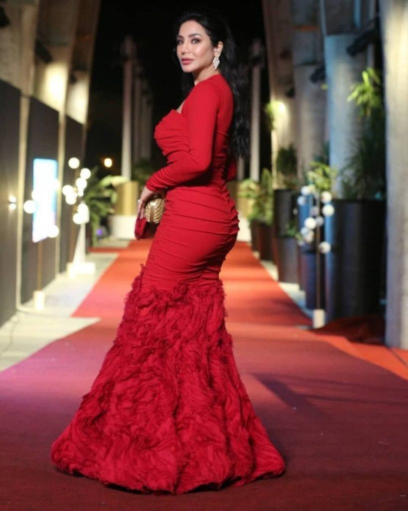 فستان لجين عمران